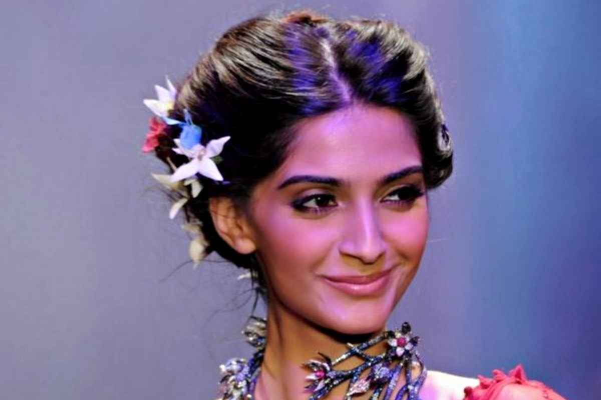 How can Sonam not be on trend?