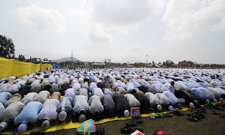 Kashmiris offer Eidul Fitr prayers in Srinagar, India-held Kashmir. — Faisal Khan