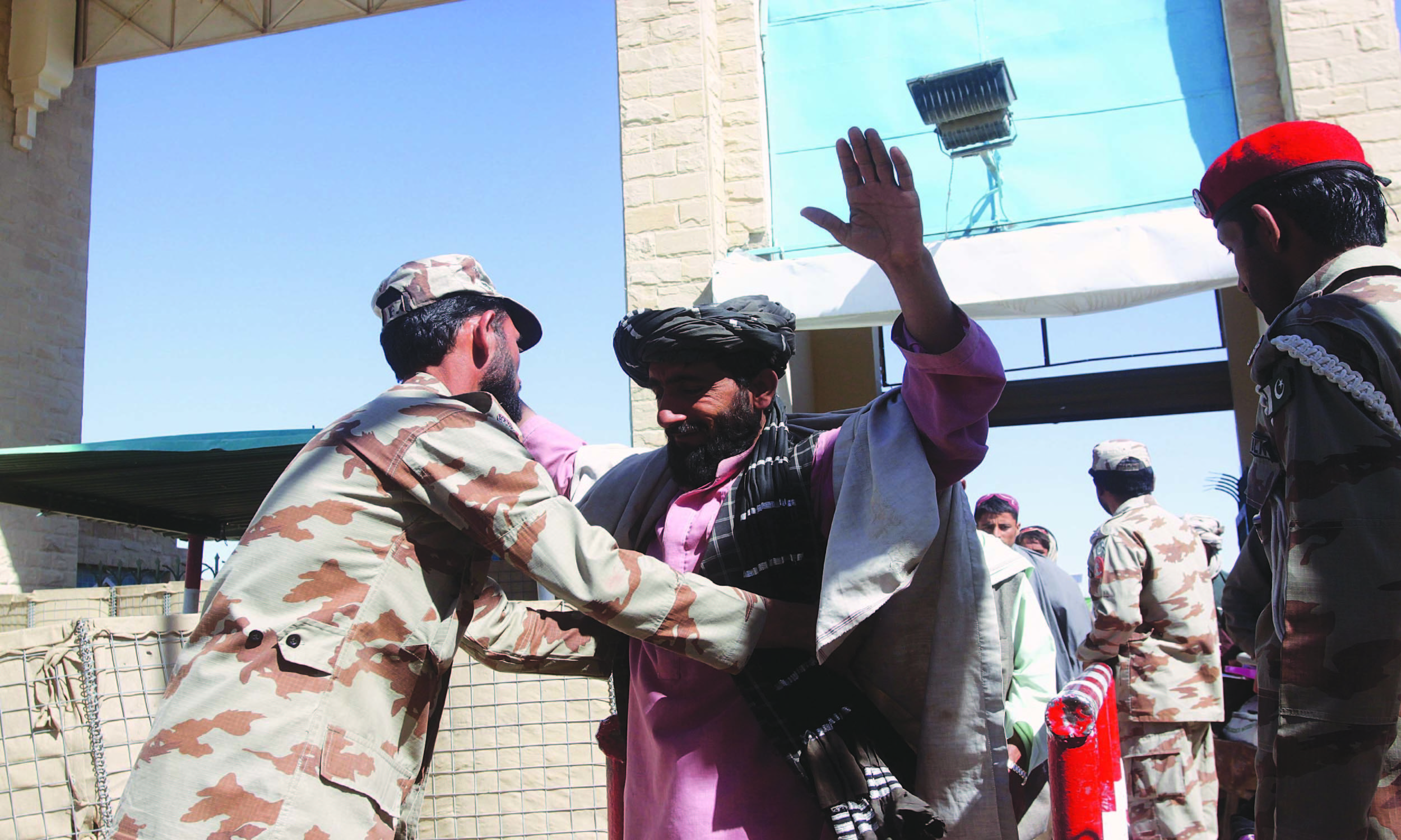 Security checkpoint at Pakistan-Afghanistan border in Chaman | Matiullah Achakzai, White Star