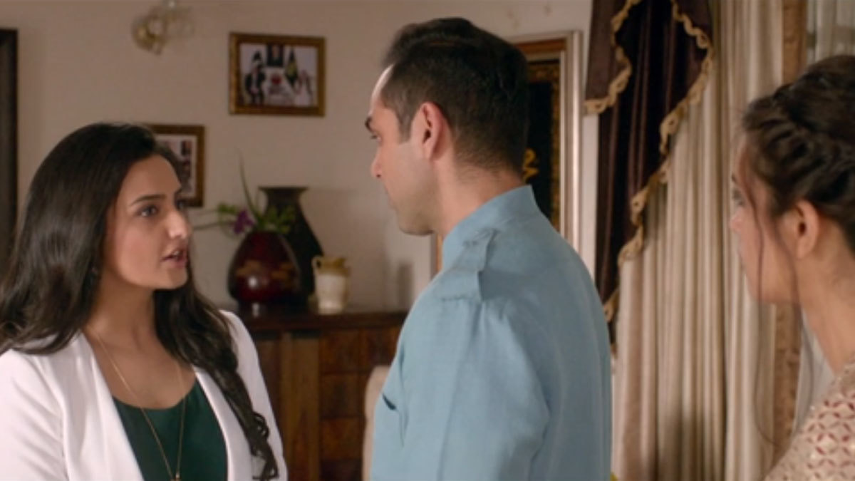 Momal Sheikh suspicious of her husband and Diana Penty's relationship in the film. Screengrab