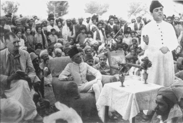 Muhammad Ali Jinnah meets Quetta's Parsi community in June 1948