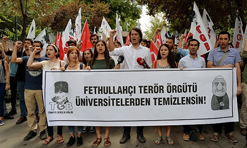 Turkey asks Turks residing abroad to report Gulen supporters' whereabouts