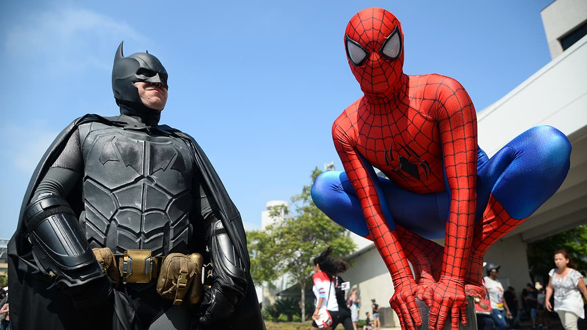 Dorian Black, left, dressed as Batman and Kyle Blankenfield as Spiderman on day 3 of Comic-Con International.─AP