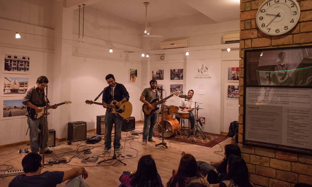 E sharp band members Anwaar Ahmed, Ahmed Zawar, Zia Zaidi and Qumber Kazmi perform at T2F in Karachi | Mohammad Ali, White Star