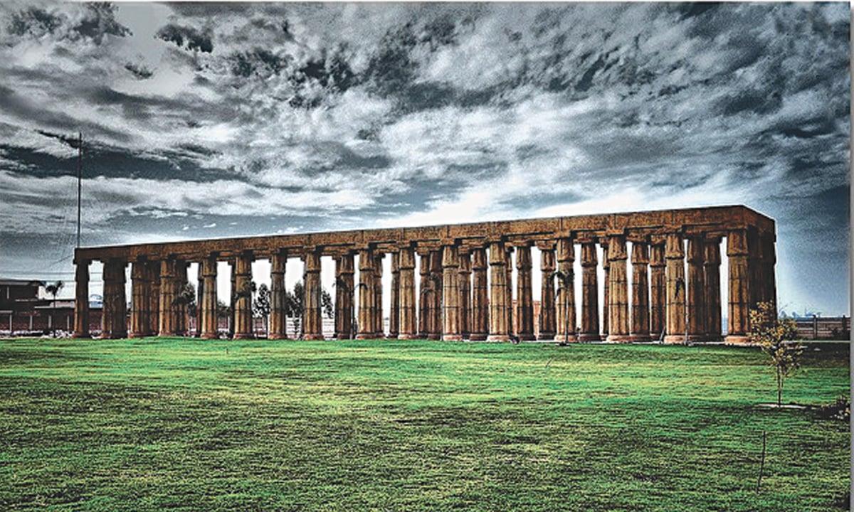 Greco-Roman columns in Bahria Town, Lahore  Umair Ashfaq