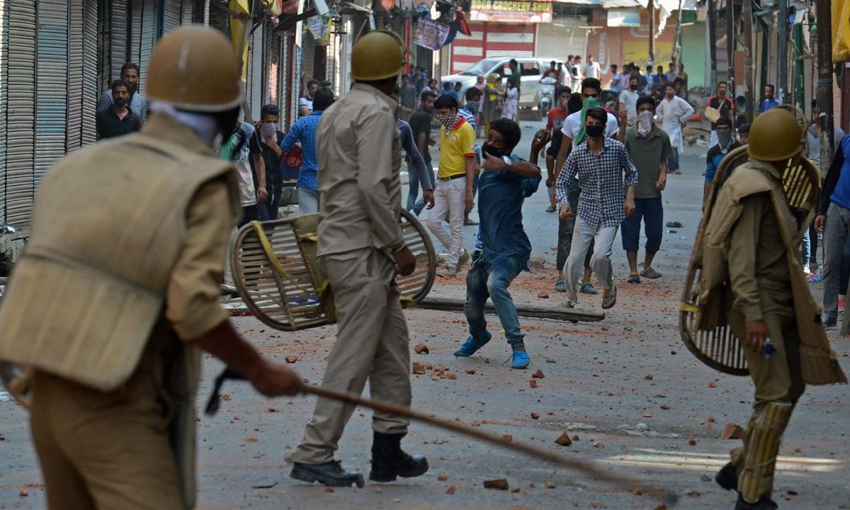 Indian police clash with Kashmiri protestors in Srinagar | AFP