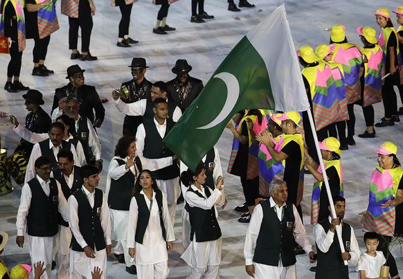 اولمپکس میں شریک پاکستانی دستہ— اے پی فوٹو