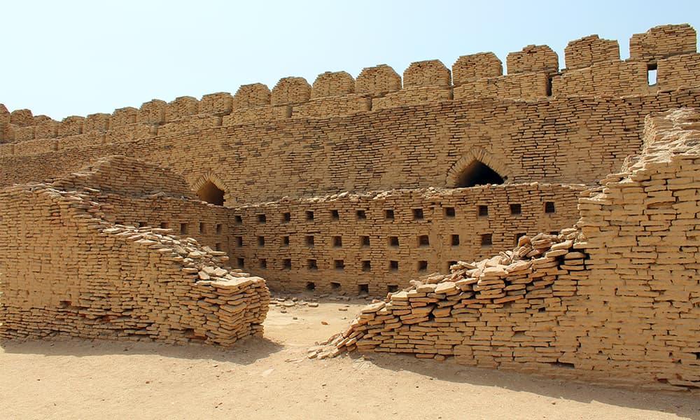بارود خانہ، قلعہ کوٹ ڈجی — تصویر اختر حفیظ