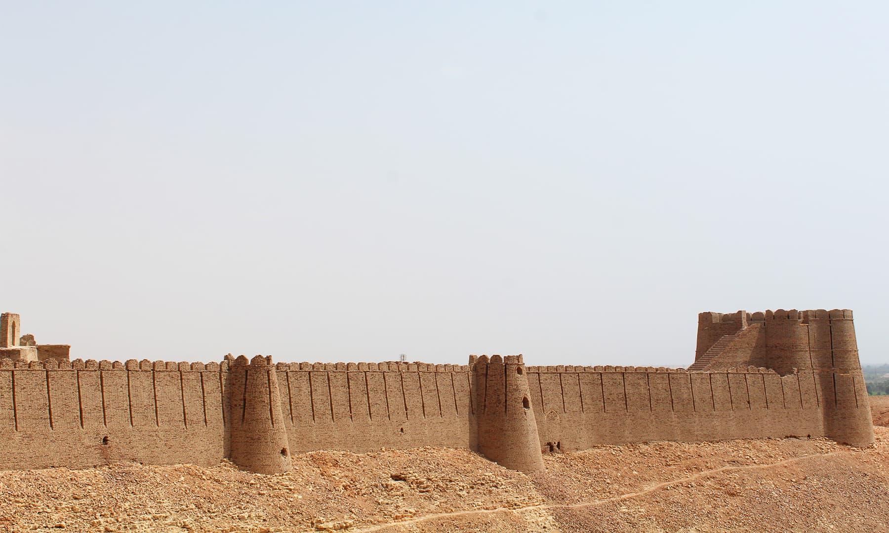 قلعہ کوٹ ڈجی — تصویر اختر حفیظ