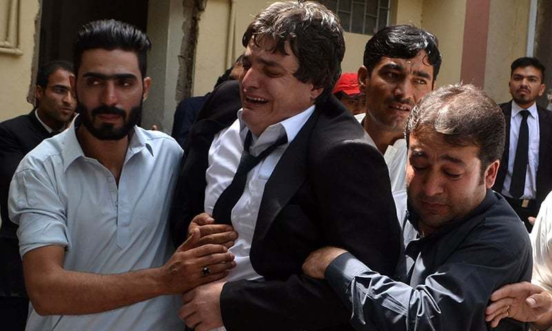70 dead as blast hits Quetta Civil Hospital after lawyer's killing