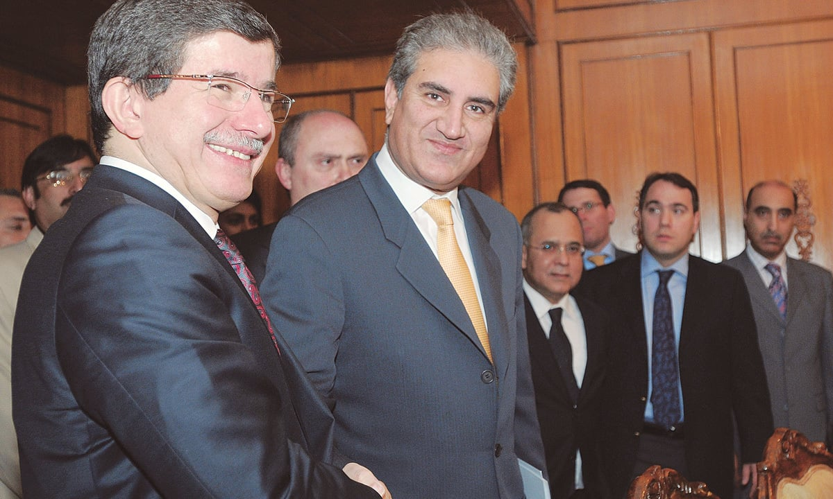 Shah Mehmood Qureshi with the then Turkish Foreign Prime Minister Ahmet Davutoglu in August 2009 | Tanveer Shahzad, White Star