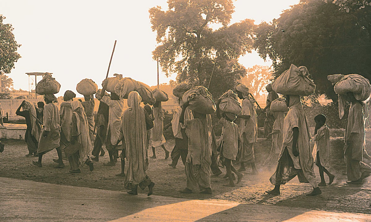 Migrants crossing into Pakistan during Partition | F E Chaudhry, White Star Photo Archives