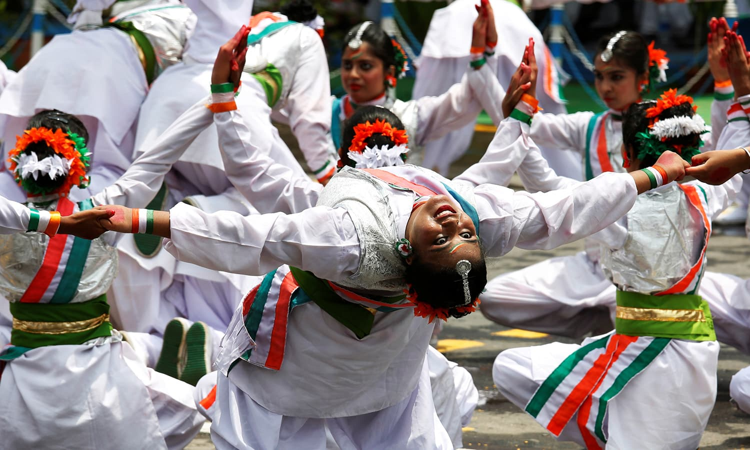 Schoolchildren perform during the India's Independence Day celebrations in Kolkata, August 15, 2016. ─ Reuters
