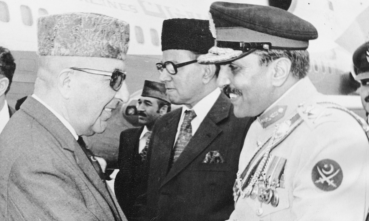 Gen. M. Zia-ul-Haq welcoming President Mohammad Daoud of the Republic of Afghanistan at the Islamabad airport on March 5th, 1978 | WHITE STAR ARCHIVES