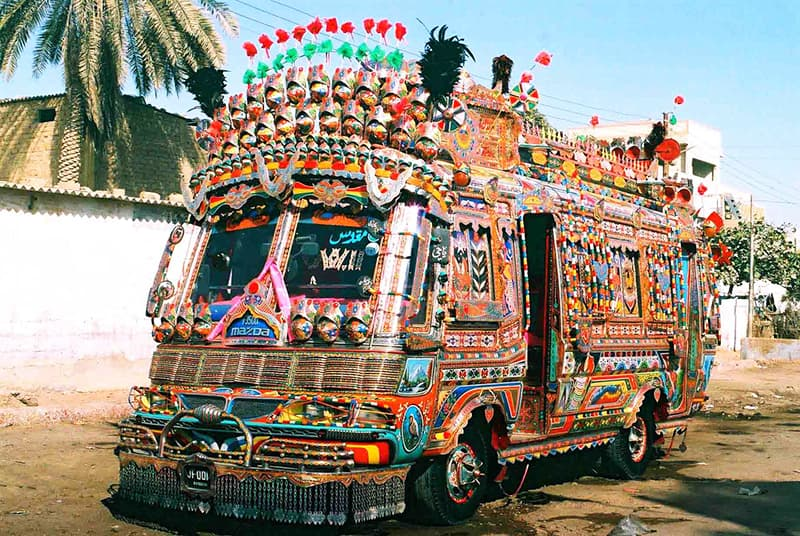 A present-day 'mini-bus' in Karachi. They were the first to go completely 'psychedelic' in the 1970s.