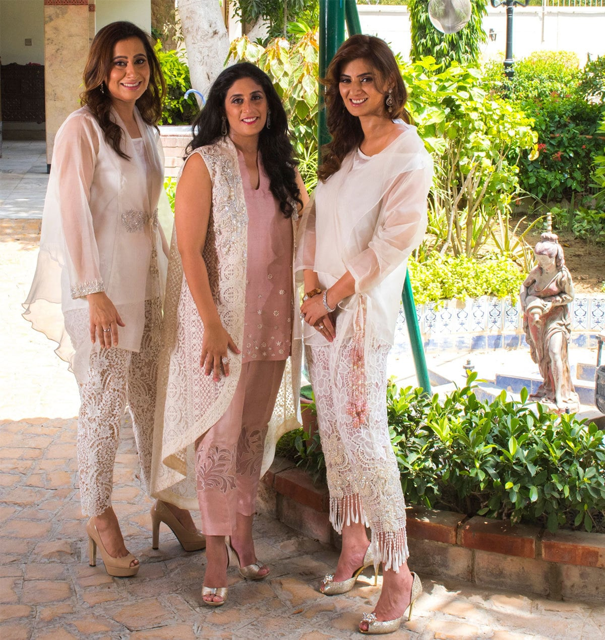 RealWomen AfsheenJunejo, #SaraKoraishy and #NageenRizvi pose for #SanamChaudhri's #antisizesero campaign. Beauty, brains, success and resilience to promote a #positivebodyimage photography - Instagram
