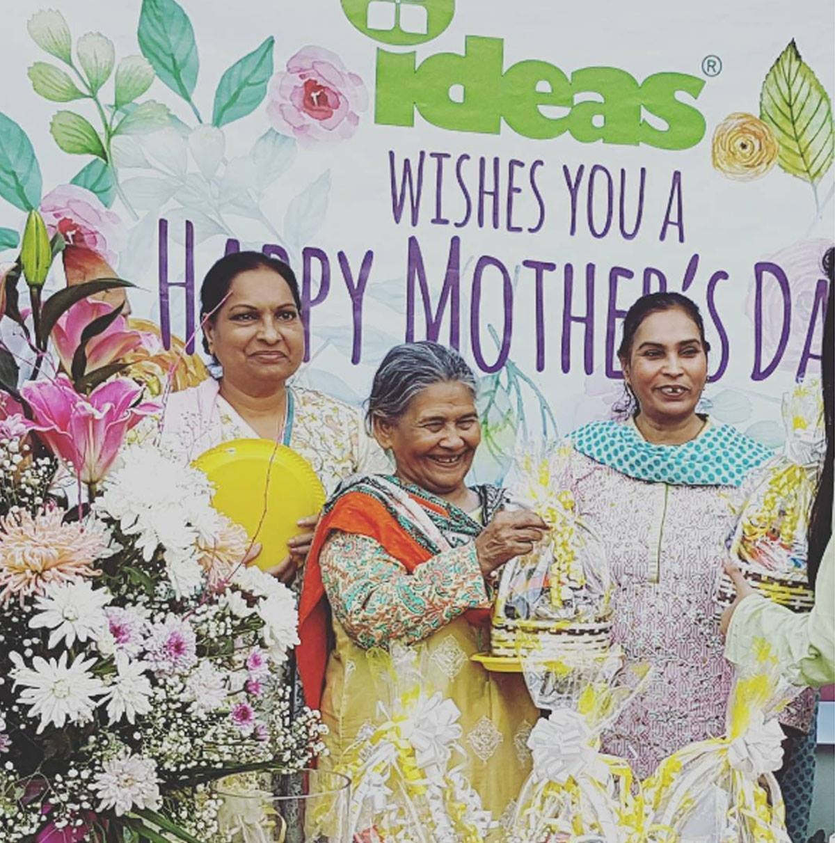 This melted our hearts! #celebratingmomswithideas #mothersdaycelebration #teamideas #ideasforabettertomorrow - Instagram