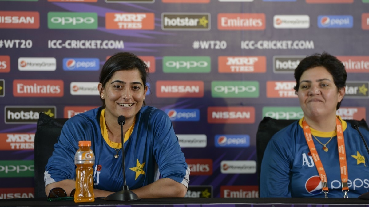 Sana Mir confidently talking to the journalists at the pre-match press conference in Delhi, India