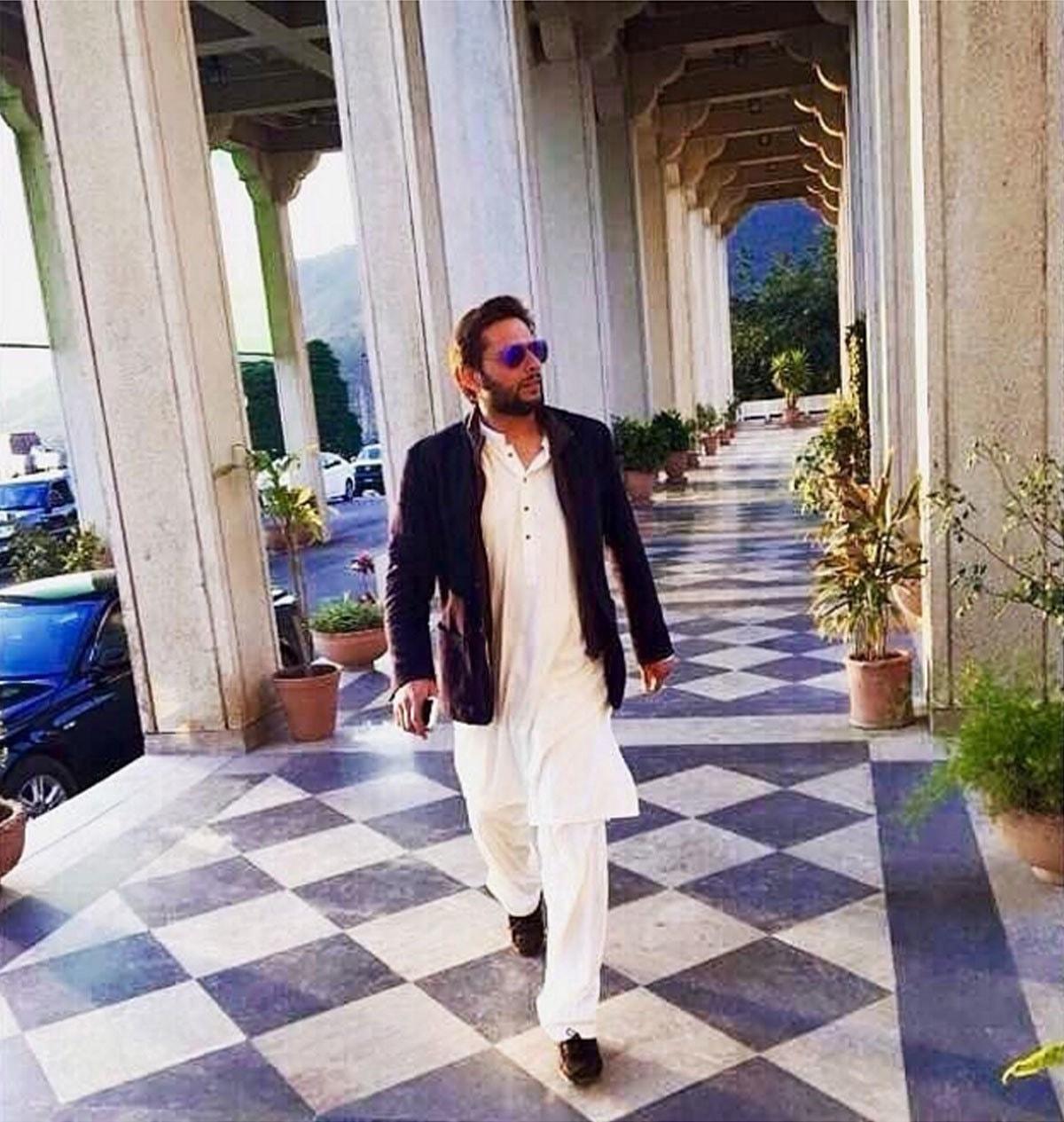 I got 99 problems but rocking a shalwar kameez ain't one. - Instagram