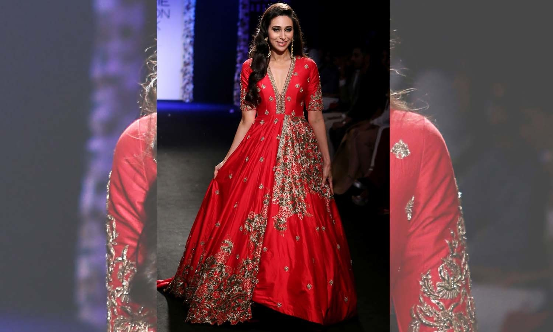 کرشمہ کپور نے ہندوستانی ڈیزائنر ارچیتھا نرایانم کا ڈیزائن کردہ لباس پہنا — فوٹو/ اے ایف پی