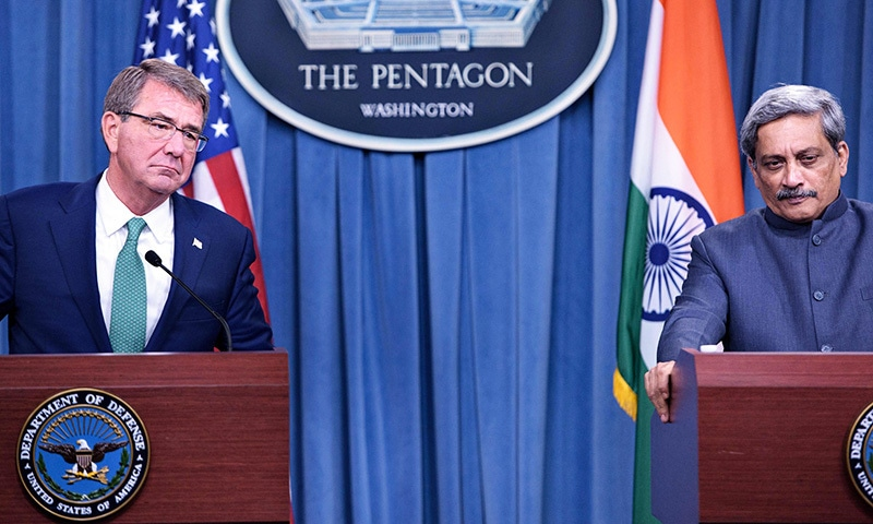 US Secretary of Defense Ashton Carter (L) and India's Minister of Defence Manohar Parrikar attend a press conference at the Pentagon on August 29 in Washington, DC.— AFP