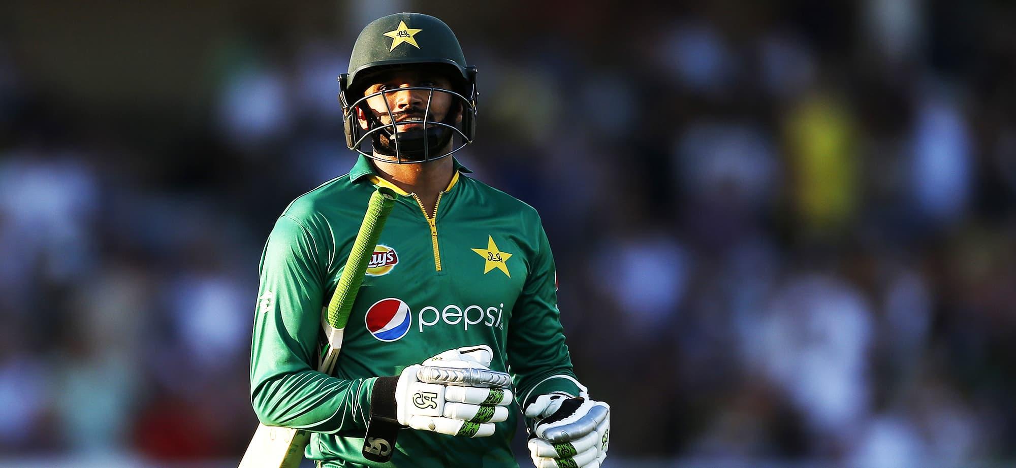 Cricket icon AB de Villiers surprises an emotional young fan