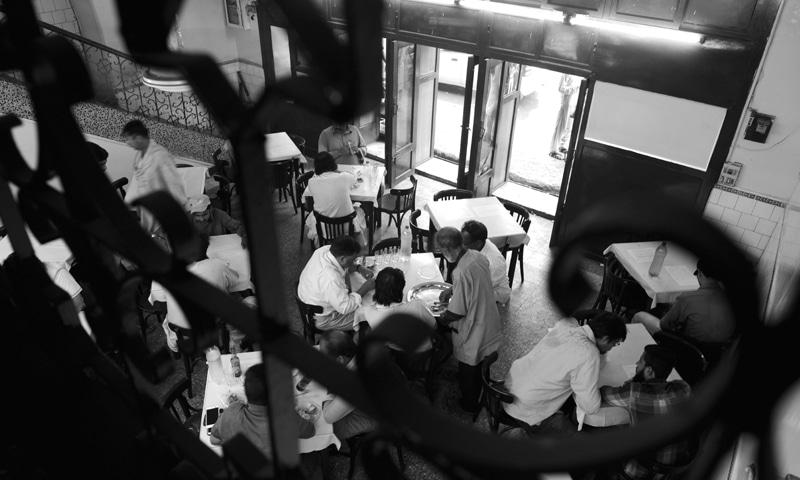 Cafe Durakhshan in Saddar - Photos by Tahir Jamal / White Star