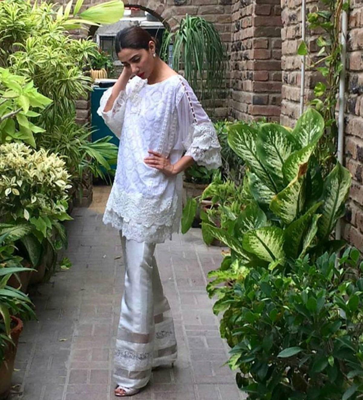 Mahira Khan posing in her Farah Talib Aziz outfit on Eid. - Instagram