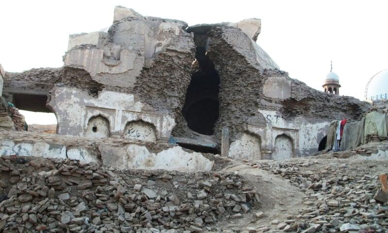 Prahlad Bhagat mandir near the shrine of Shah Rukn-e-Alam in Multan. ─ Phot by Alle Imran