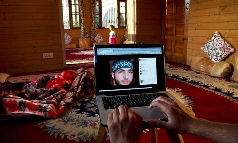 Wani attracted dozens of new recruits with postings on Facebook and other social media sites. After his death, the medium allows his supporters to continue his story. ─ AP