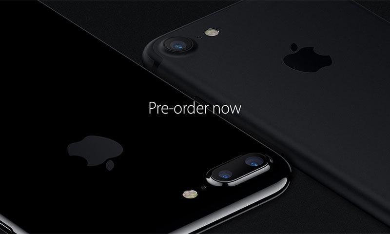 آئی فون سیون اور سیون پلس — فوٹو بشکریہ ایپل