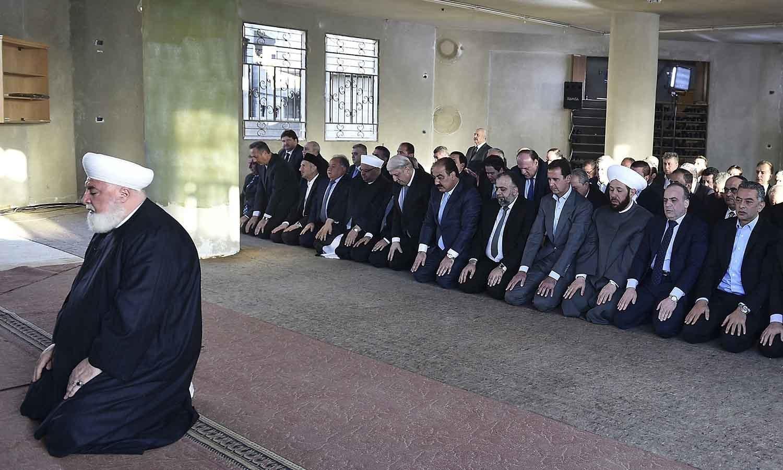 شام میں نماز عید کی ادائیگی کی جارہی ہے — فوٹو/ اے پی