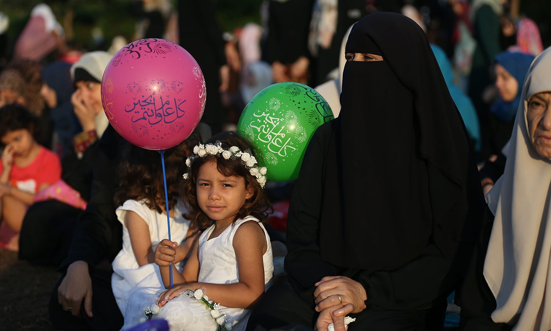 غزہ میں بڑوں کے ساتھ ساتھ بچے بھی عید کے روز نہایت خوش نظر آئے — فوٹو/ اے ایف پی