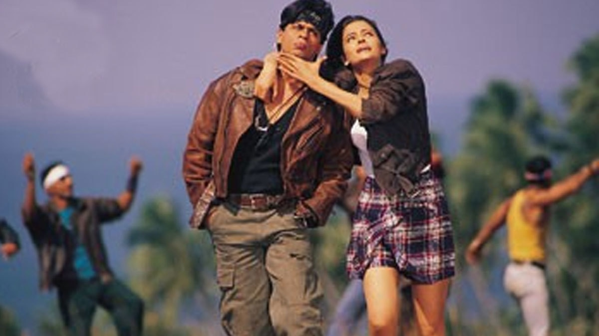 SRK with Aishwarya in 2000 film 'Josh'. Notice the cargos.