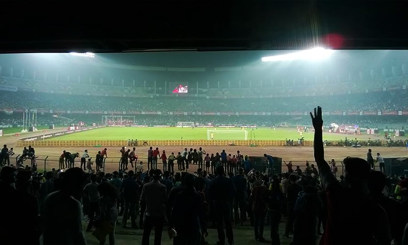 An ISL match in progress under floodlights at Kolkata's Salt Lake Stadium in 2015. — Photo: Sandip Bhaduri