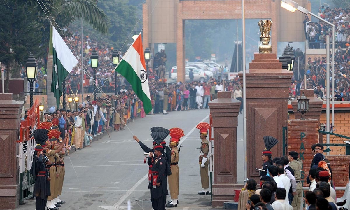 Despite the rising tension between Pakistan and India, people continue to throng the Wagah border to see flag lowering ceremony | White Star