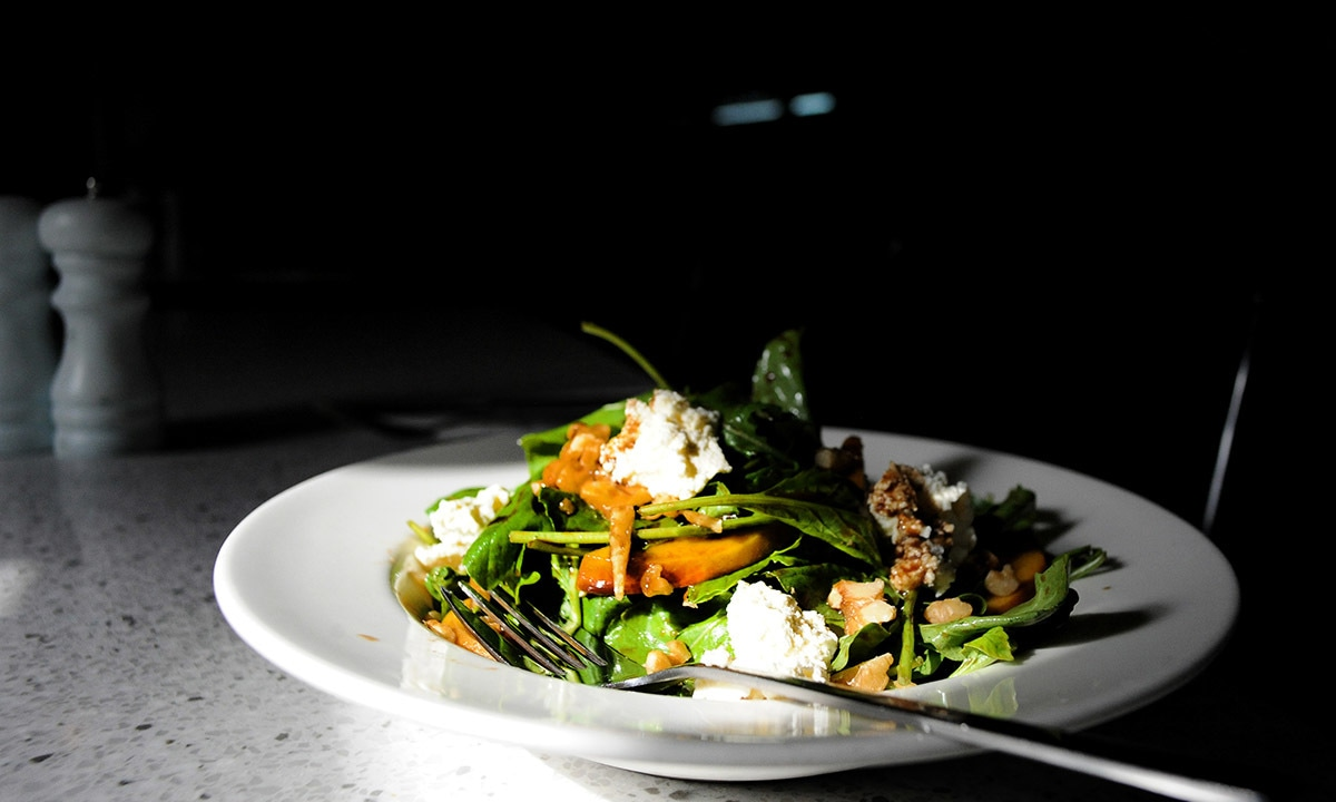 A peach and Gorgonzola salad at Pantry | Photos by Arif Mahmood, White Star
