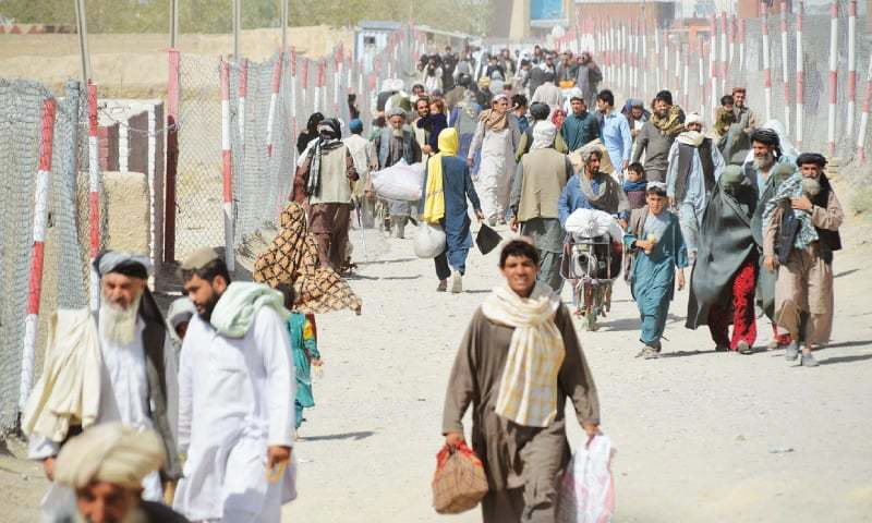 People at the border crossing either going to Afghanistan or entering Pakistan.— Photo by writer
