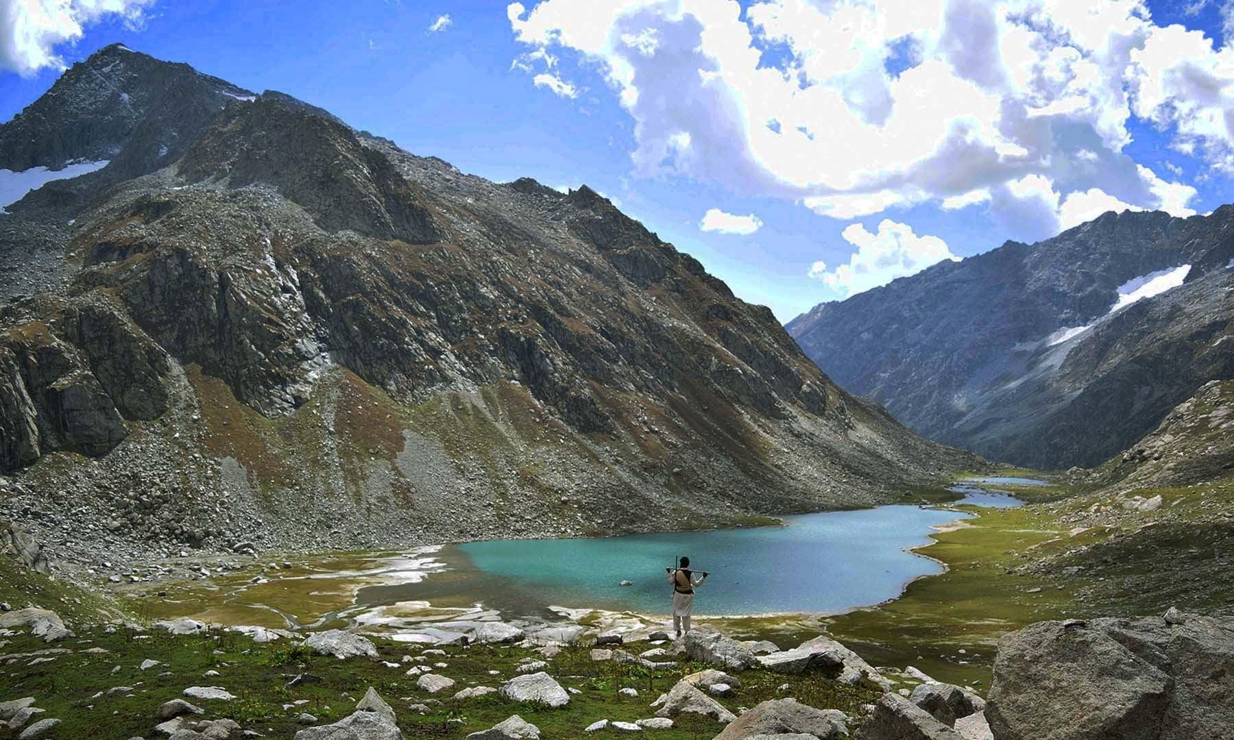 سربانڈہ کی بڑی جھیل — تصویر امجد علی سحاب