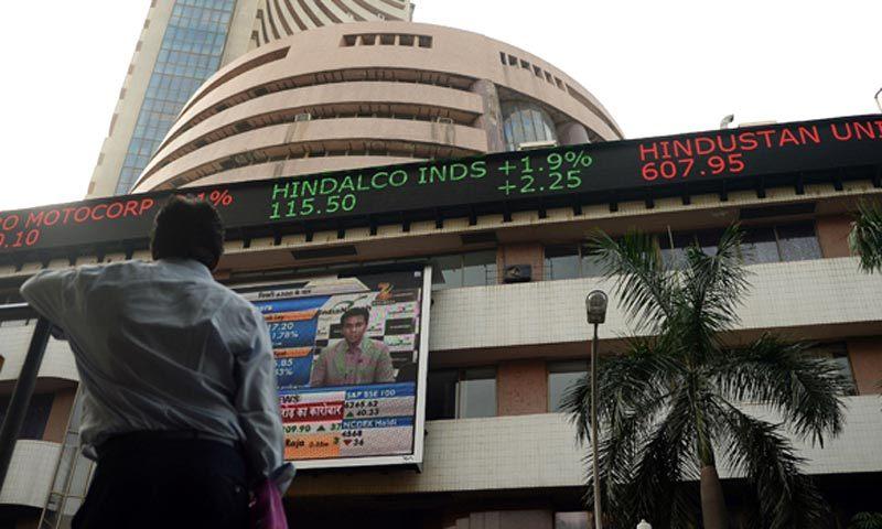 Pakistani, Indian stock markets nosedive after LoC skirmish