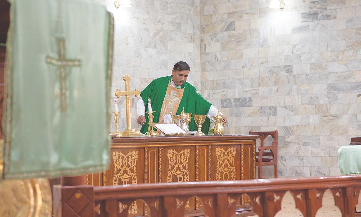 Pastor Simon Bashir leads Sunday Mass at the Bethel Memorial Methodist Church   Sara Faruqi
