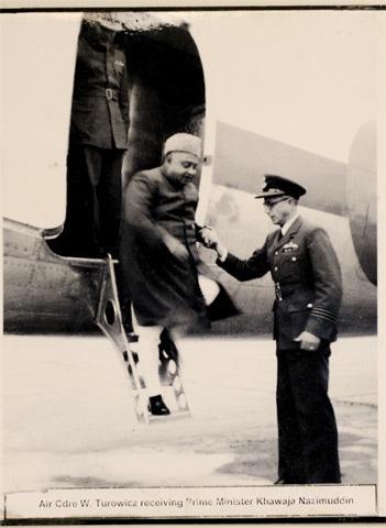Turowicz receiving Prime Minister Khawaja Nazimuddin -Photos by Tahir Jamal/White Star. Courtesy Pakistan Air Force Museum.