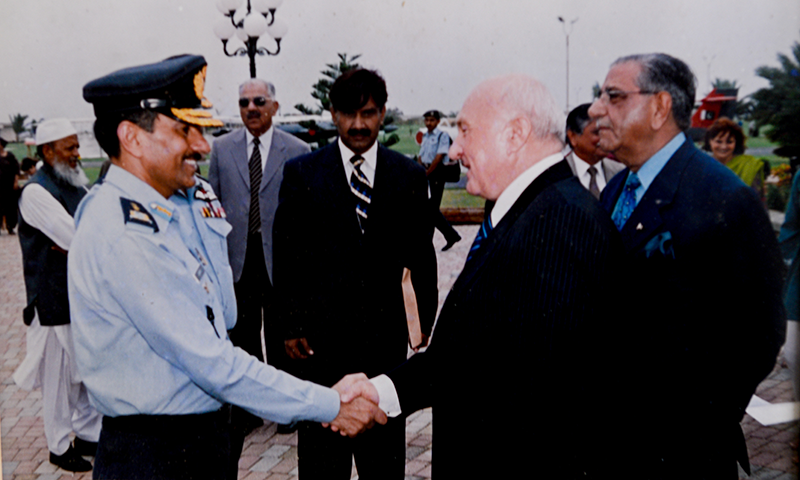 AOC SAC receiving Consul General, Republic of Poland at the PAF Museum-14 August 2006.