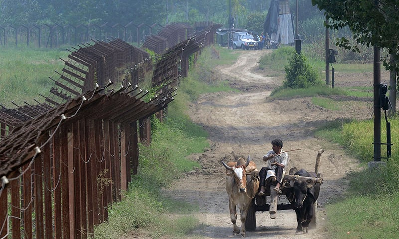 Pakistani, Indian troops exchange fresh fire across LoC