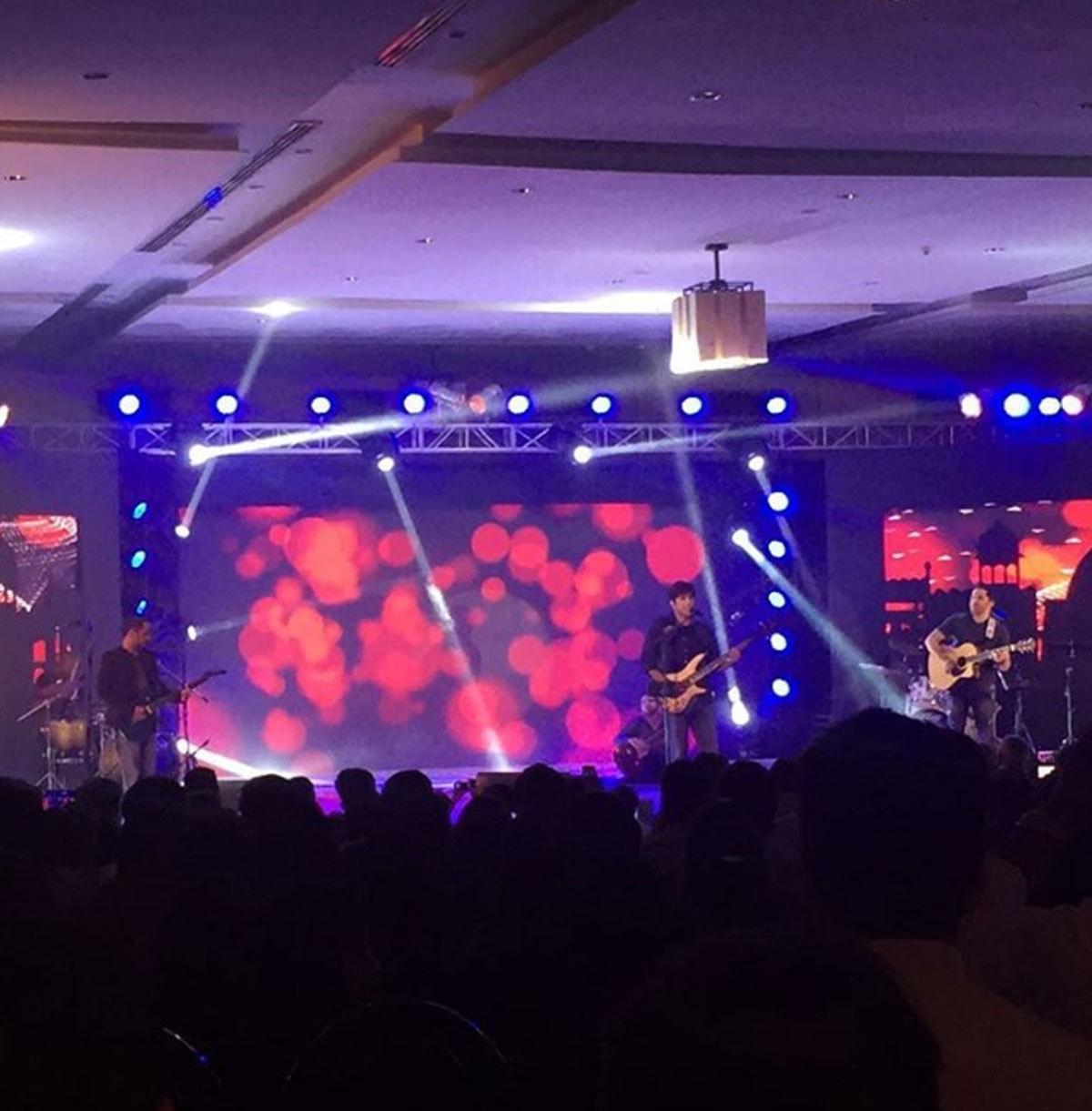 Noori performaing at the event. Photo: Instagram @alayhussain