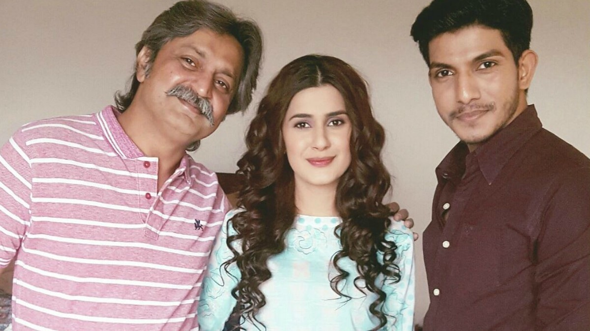 Mohsin and Kubra with senior co-star Saifee Hassan