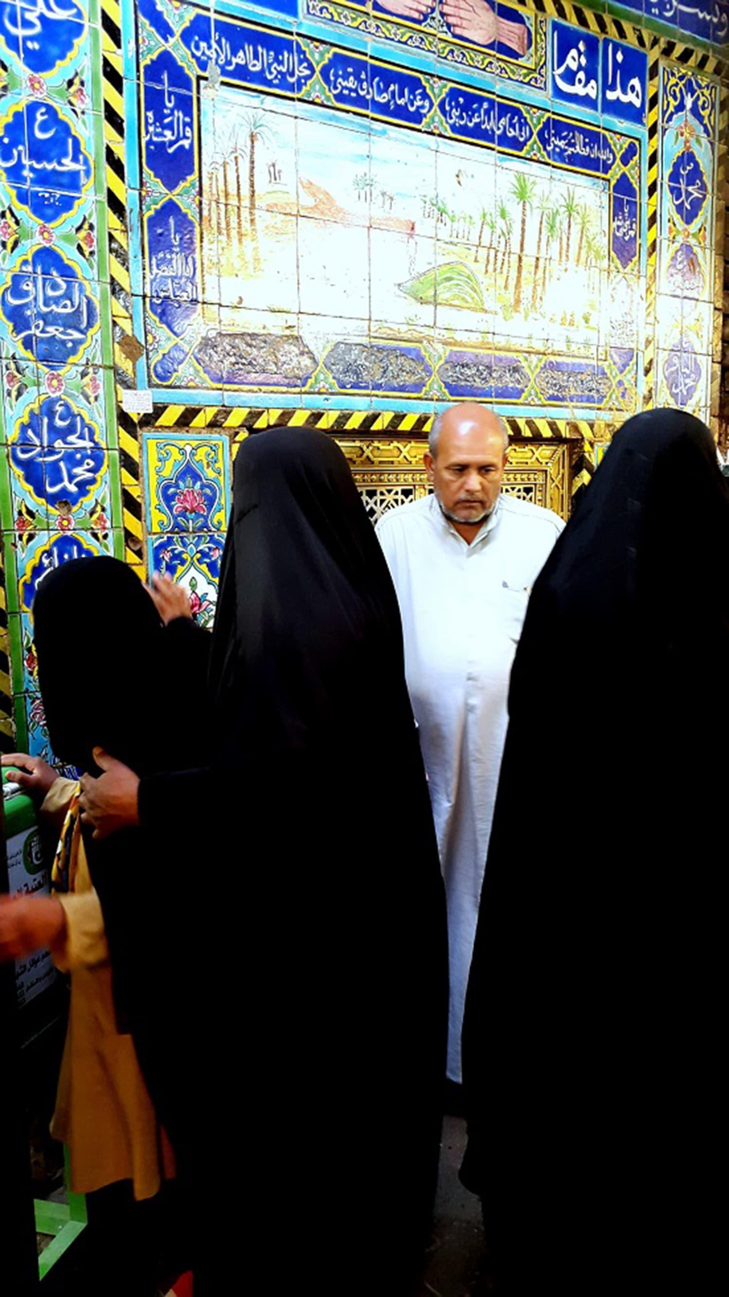 مارچ 2016 میں حضرت عباس رضی اللہ عنہ کی قبر کے لیے پہلی بار مکمل طور پر عراق میں تیار شدہ ضریح نصب کی گئی