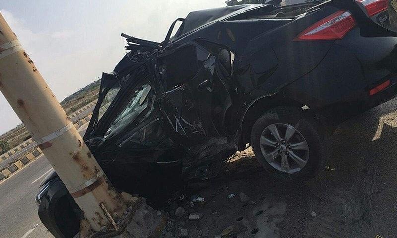 حادثے کا شکار ہونے والی گاڑی—۔فوٹو/ ڈان نیوز