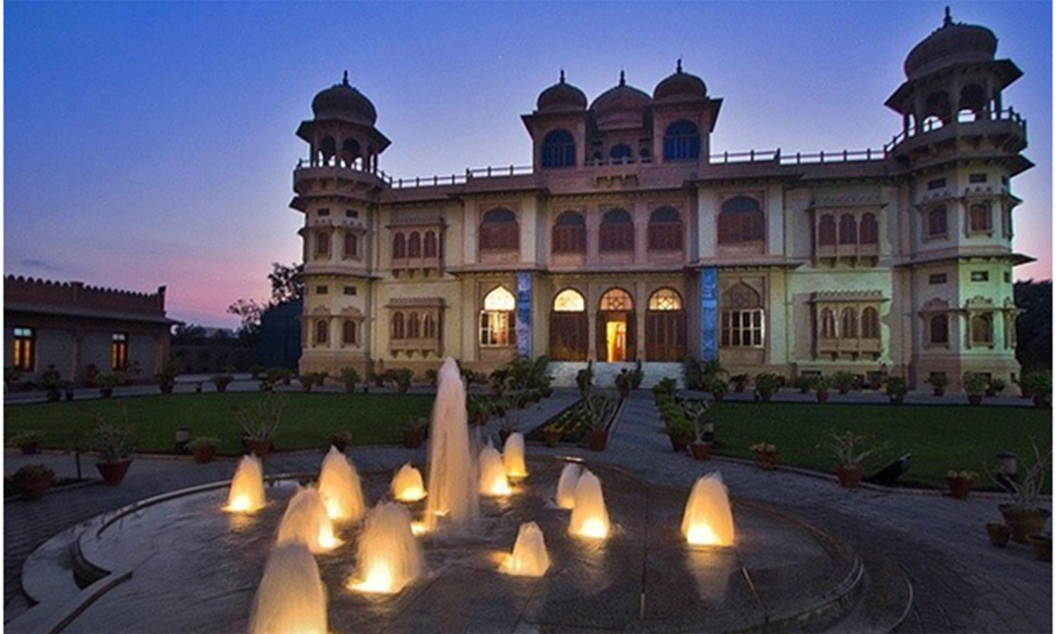 The Mohatta Palace today. It was locked up and ignored after Ms. Jinnah's demise in 1967. In 1995 it was restorted by the Sindh govornment and turned into a museum.