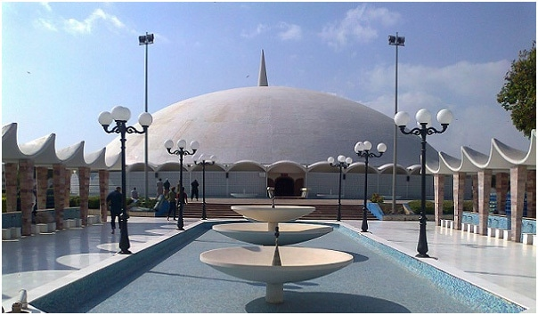 DHA's famous Taiba Mosque (also called Gol Masjid). It was built in 1969.